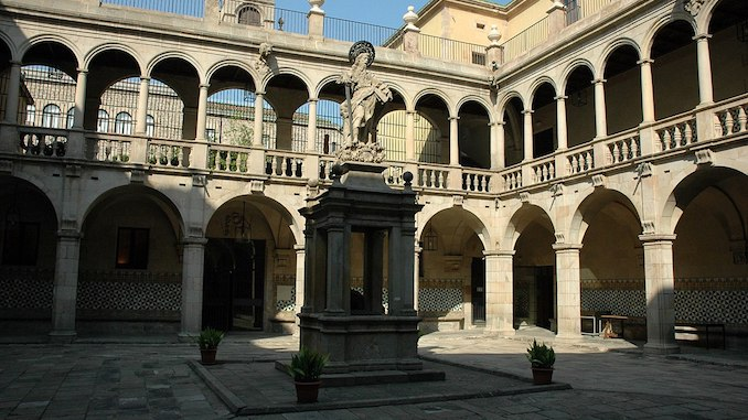 travel photo of Casa de Convalescència to inspire Catalan language students